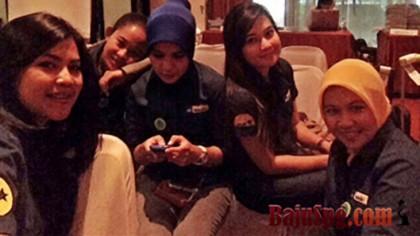 Baju Seragam AXA Mandiri di Acara IBBI Star Jakarta
