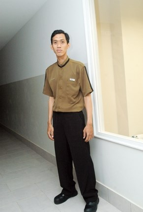 Seragam Bell Boy Hotel Aston Bogor
