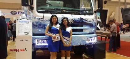 Baju SPG FAW di Event Auto Show 2017